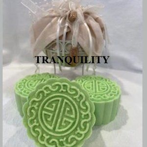ASSORTED SCENTS & DESIGNS FIZZY BATH BOMBS...